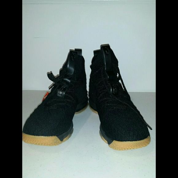 wholesale dealer 7b413 bce46 LEBRON 15 Black/Gum size 10 men